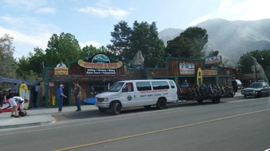 Mountain & River Adventures: Tour office