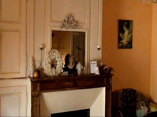 La maison marthe saint sauveur en puisaye frankrike for Hotel design yonne