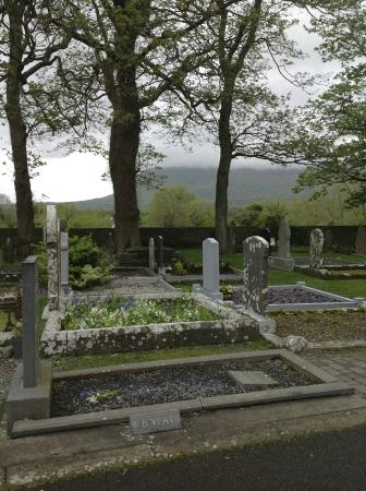 Kirche Von Drumcliff Bild Von Yeats 39 S Grave Drumcliff