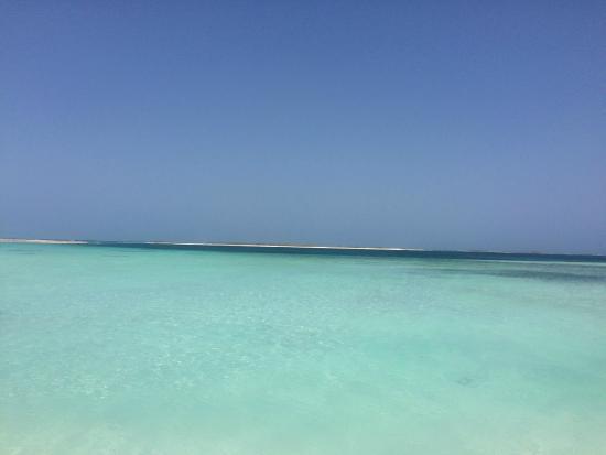 Praia Noronky : Aguas cristalinas...