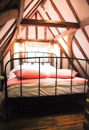 Wilderness Bed & Breakfast: Inside The Oak Room