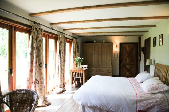 Wilderness Bed & Breakfast: Inside The Orchard Room
