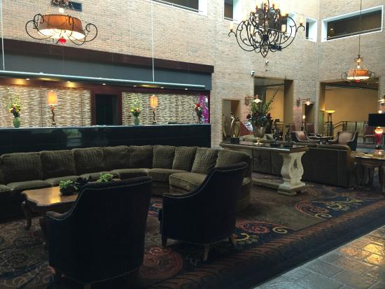 lobby picture of crowne plaza minneapolis west plymouth. Black Bedroom Furniture Sets. Home Design Ideas