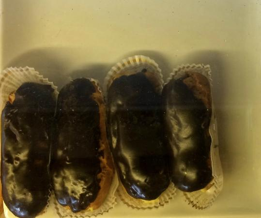 Colville Street Patisserie: Lone Chocolate Eclairs