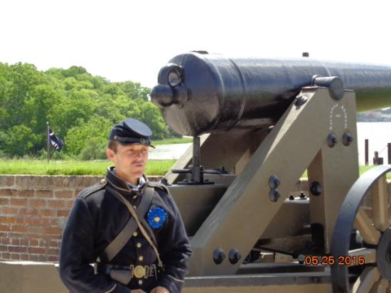 Old Fort Jackson: Fort Jackson - Info on a Cannon