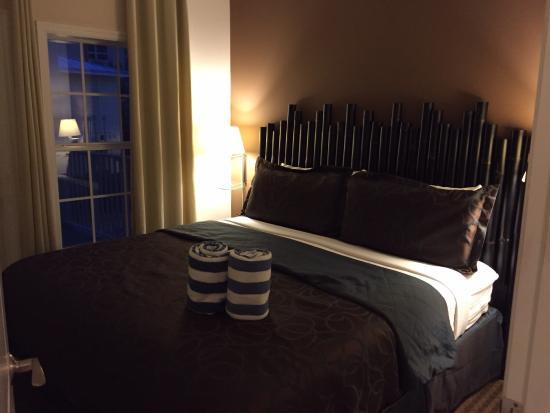 Beach Club at Siesta Key: King, 1 bedroom unit