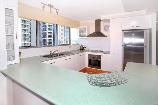 Waterways luxury apartments 2018 prices reviews surfers paradise photos of apartment for Cheap 2 bedroom apartments gold coast