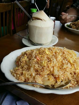 Cholada: Crab fried rice.
