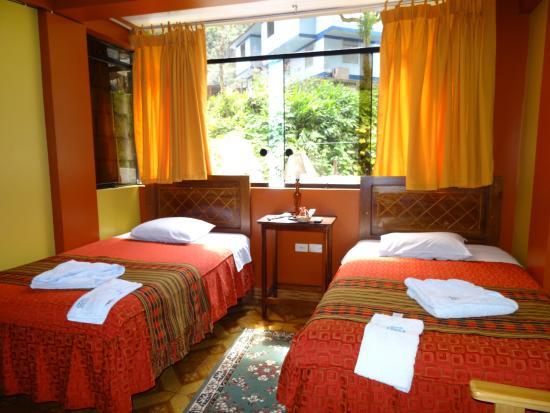 Adelas's Hostel: room