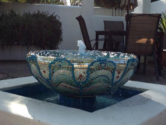The Cottage Inn & Spa: fountain in courtyard