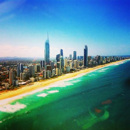 Sleeping Inn Backpackers: Surfers Paradise from the sky