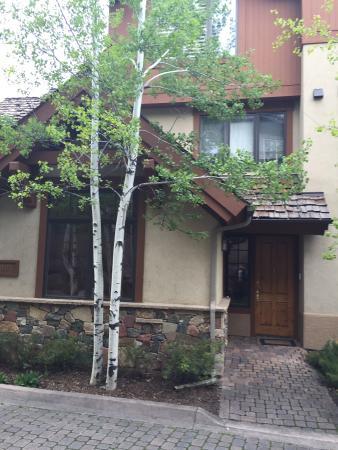 Arrowhead Village Condominiums: Exterior