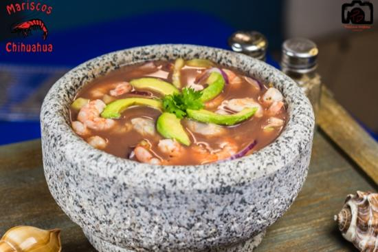 Nogales, AZ: Want to try something different? Try the seafood molcajete, it sure won't disappoint!