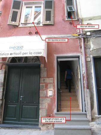 Monica Lercari Rooms: front of room/building