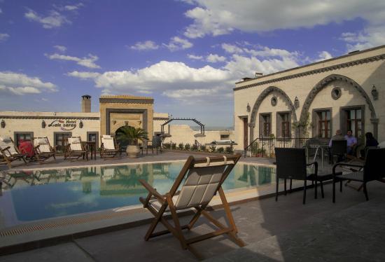 菈勒薩萊酒店