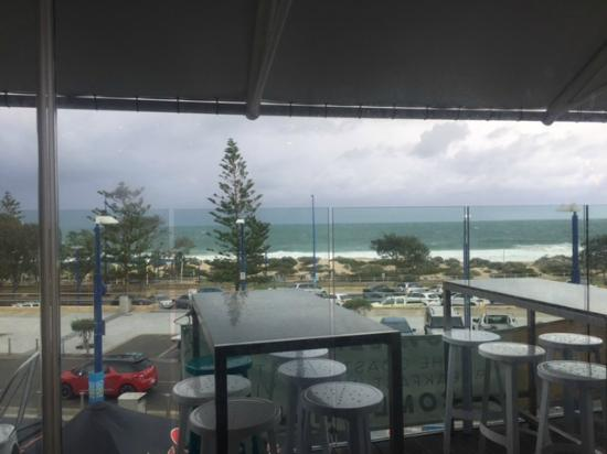 Scarborough Beach Bar: A wild day from the bar
