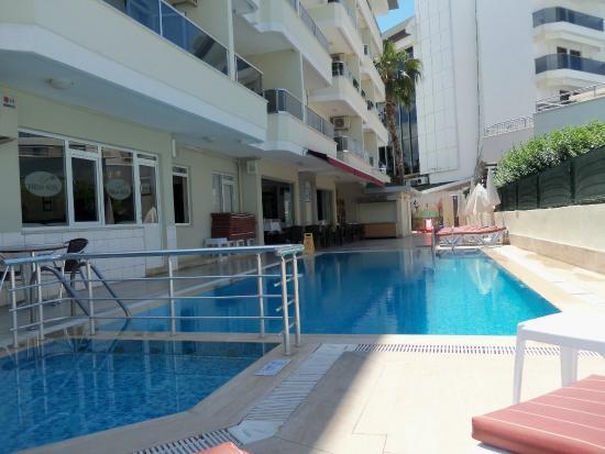 Pekcan Hotel: pool area