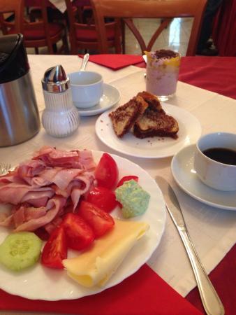 Hotel Gabriel: Breakfast