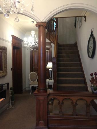 Hilton House: Hall and stairs