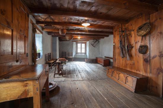 Encamp, Andorre : Museo Etnográfico Casa Cristo - Musée ethnographique Maison Cristo