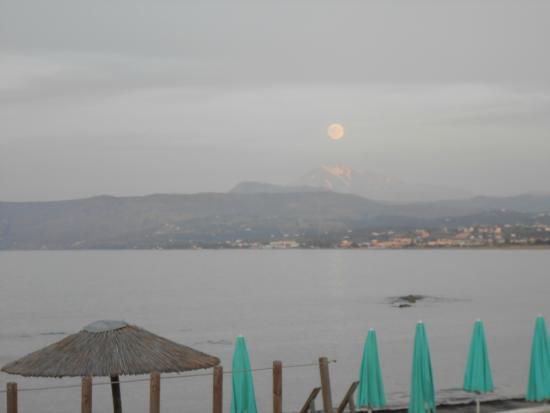 Corissia Beach Hotel: Abendstimmung