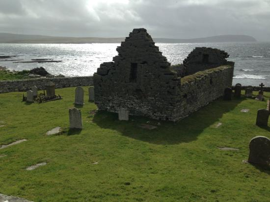 Orkney Archaeology Tours : Swandro Church; Rousay