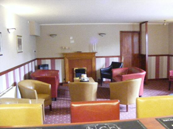 Heath Hill Hotel: public bar