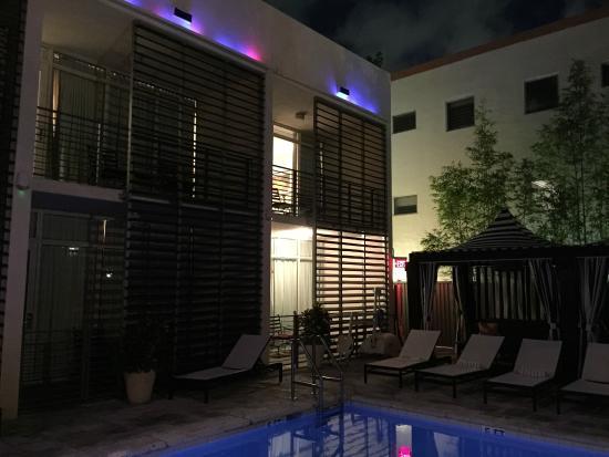 Manolo Cafe Miami Beach