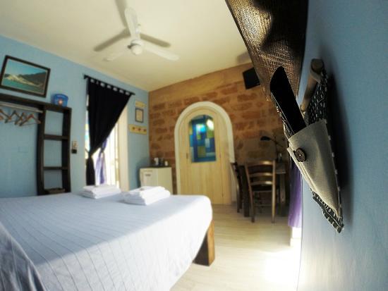 Camera da letto blu matrimoniale con bagno - Picture of B&B San ...