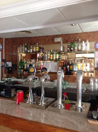 Sandras Sports Bar Cafe