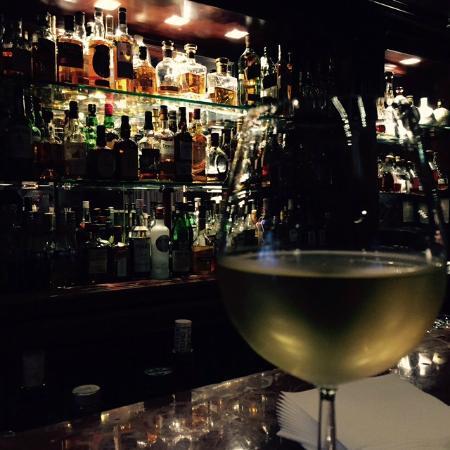 Le Vendome Beirut: Sidney's Bar Lounge