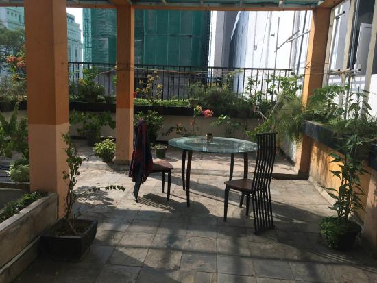 Colombo Haven Bed & Breakfast: The private rooftop garden just outside the room