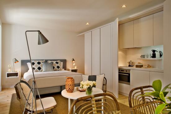 Lisbon five stars apartaments combro77 lissabon portugal for Design hotel lisbona