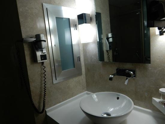 Kent Hotel : Bathroom