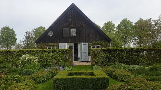 B&B Heerlijkheyd: Garden4