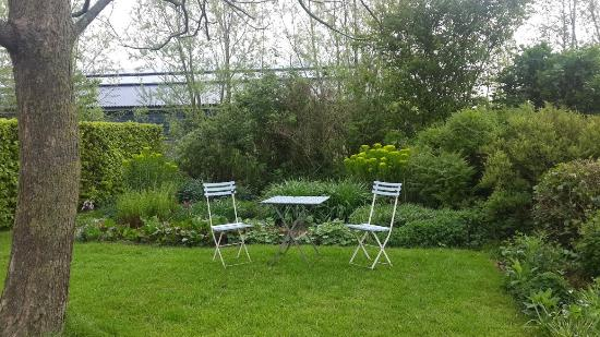 B&B Heerlijkheyd: Garden5
