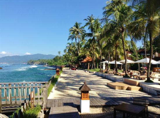 Swinging bed on the beach picture of rama candidasa for 1201 salon dc reviews