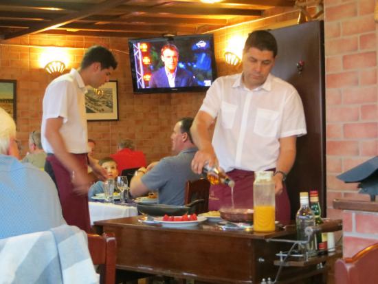 Navegador Restaurant: Our waiters