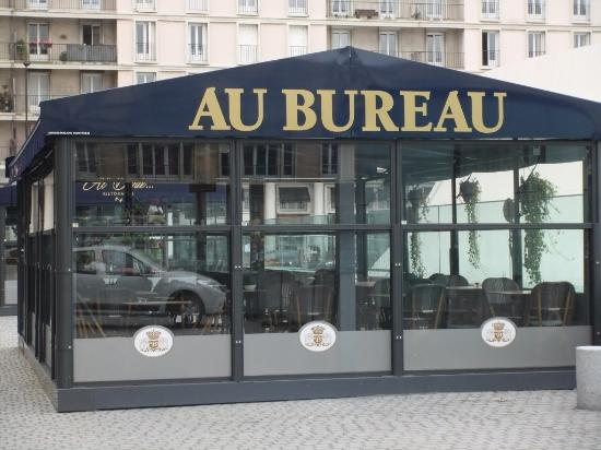 Additinoal seating area for busy times picture of au bureau le