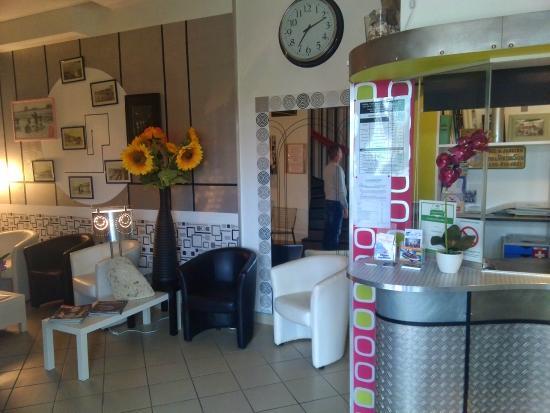 Hotel Michelet : Espace détente et accueil