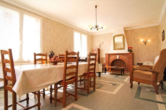 Gîte Maubet à Noulens - N°32G500106 - Salle à manger