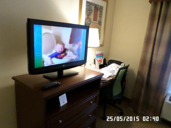 Beantown Inn: TV