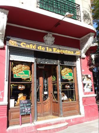 Cafe de la Esquina