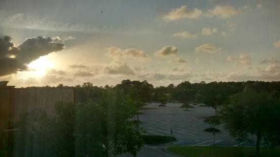 Holiday Inn Express Jacksonville South I-295: View from our 3 floor room at sunset.