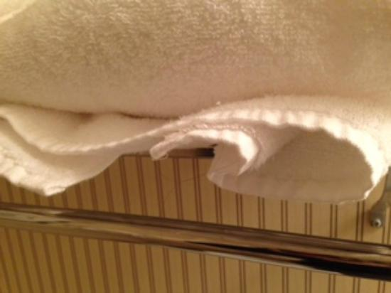 Four Points by Sheraton Richmond: hair within the 'clean' towels