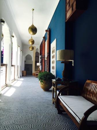 Riad Les Yeux Bleus: corridor