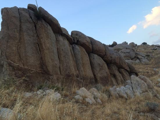 Hungry Gulch Campground: Cool rock formations in this area.