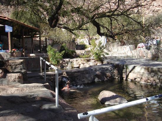 Foto de termas de fiambala fiambala piletas de agua for Piletas naturales argentina