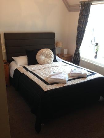 The Clontarf Hotel: Peony Room - double ensuite
