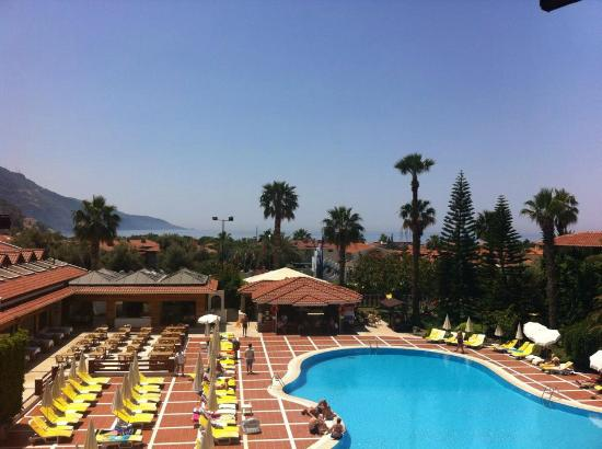 Alize Hotel: Our view from room 430